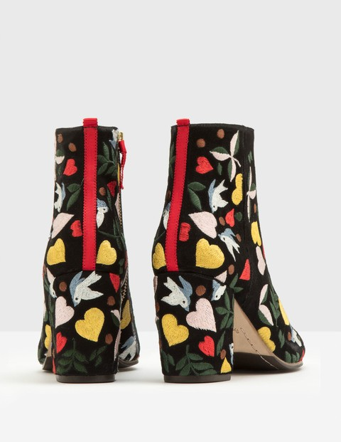 best-before-end-date-top-picks-embroidered-boots
